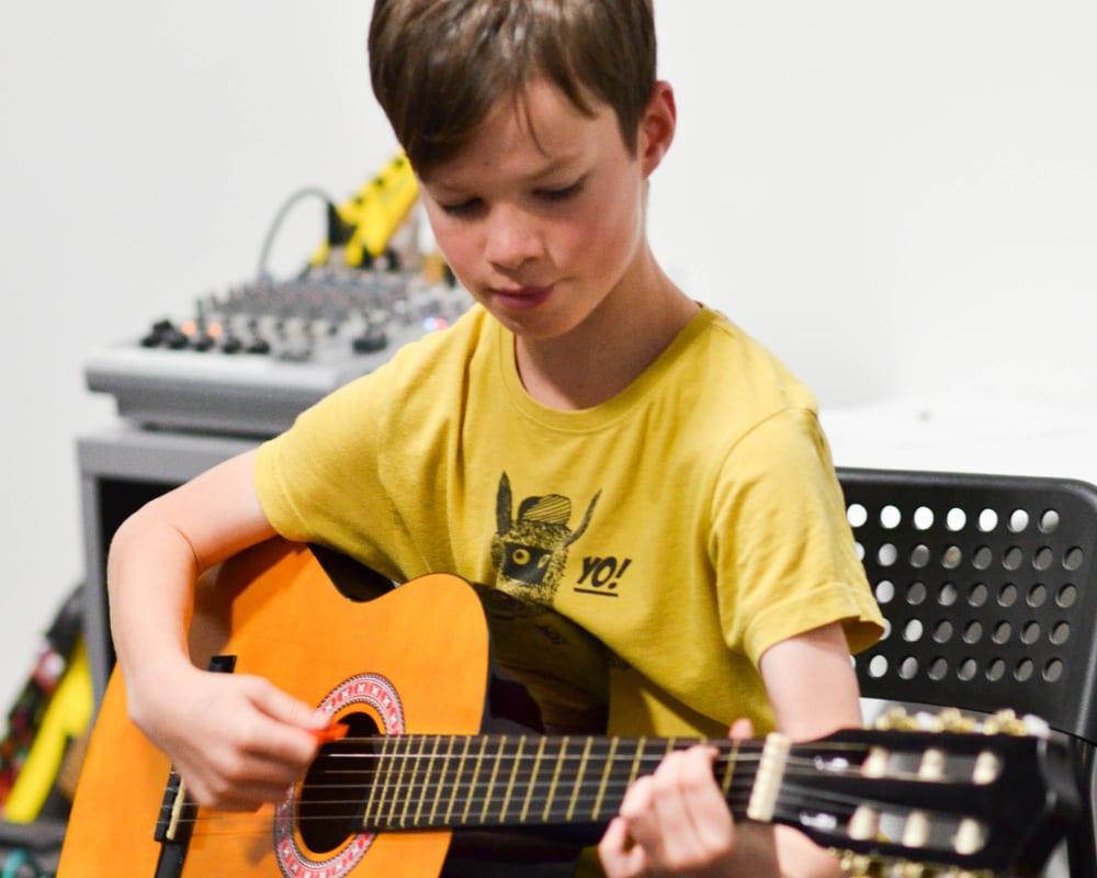Kids Guitar Lessons London Guitar Tuition East London