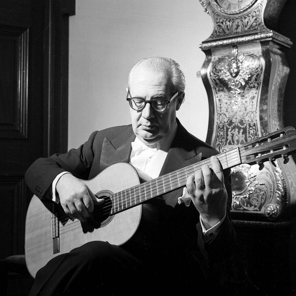 Short history of guitar, with Andrés Segovia
