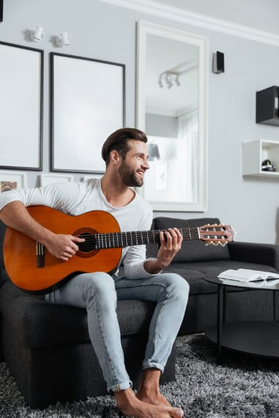 How Guitar Playing Improves Your Mental Health