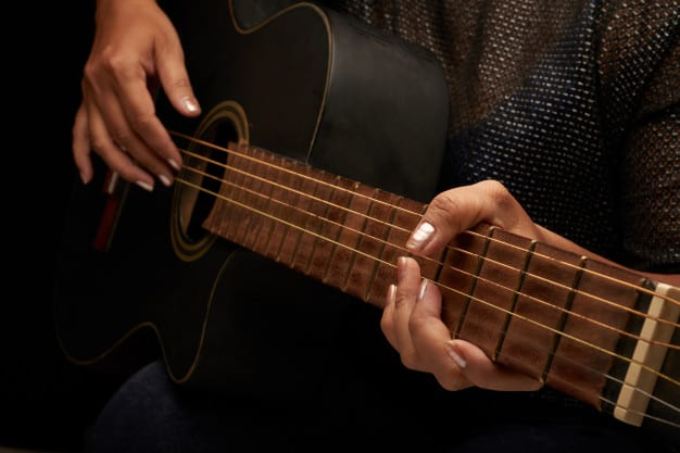 Tips to Finger Pick Acoustic Guitar Effectively