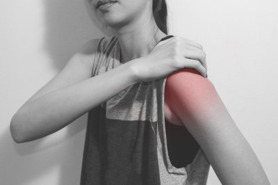 How to Reduce Shoulder Pain as a Guitar Player
